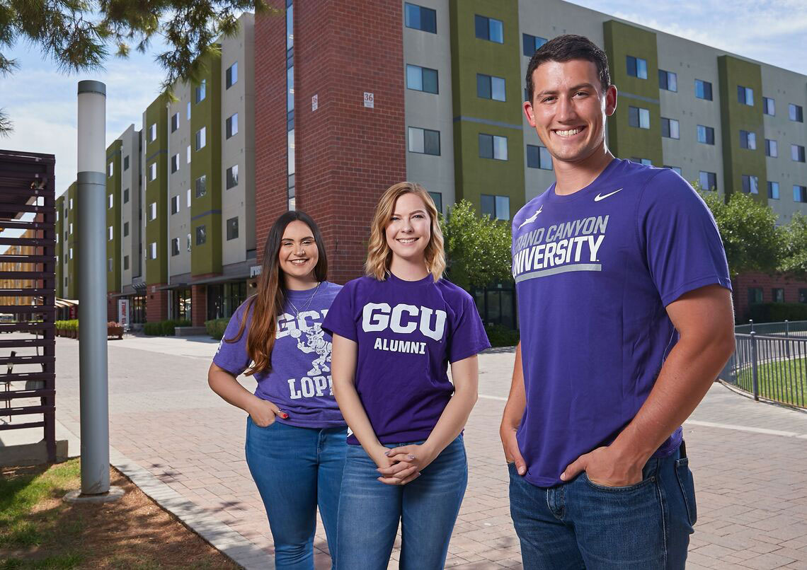 GCU Alumni smililing for picture