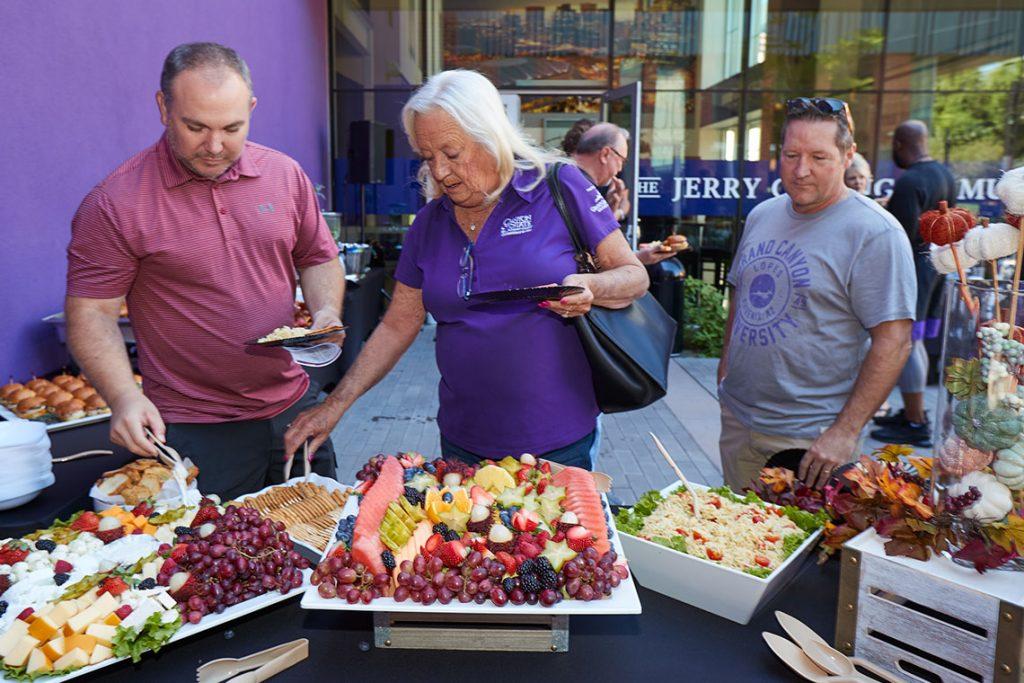 Lopes club attendees enjoying light snacks