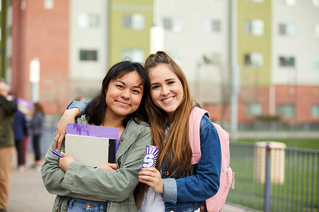 Two female GCU students on campus